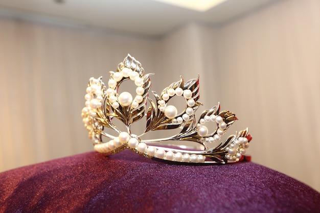 Diamond silver crown miss pageant beauty contest Premium Photo