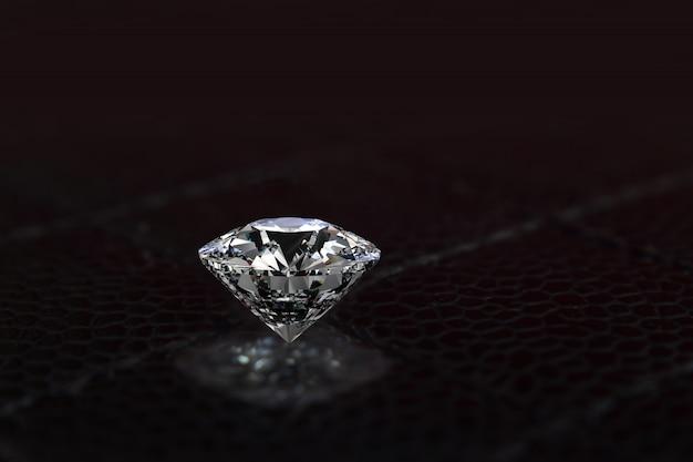 ダイヤモンドは価値があり、高価で希少です。ジュエリーを作るために Premium写真