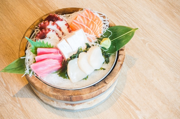 Dish with variety of raw fish photo free download for Raw fish dish