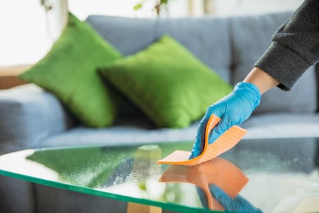 Disinfezione in casa Foto Gratuite