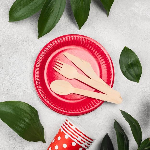 Одноразовая посуда с домашними листьями Бесплатные Фотографии