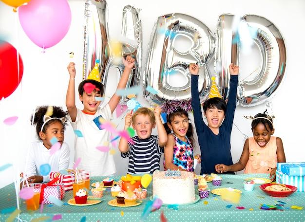 Diverse children shoot Premium Photo
