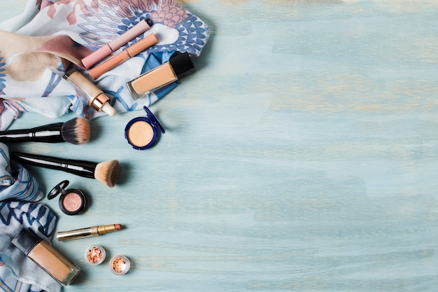 Diverse cosmetics and foundation brushes Free Photo