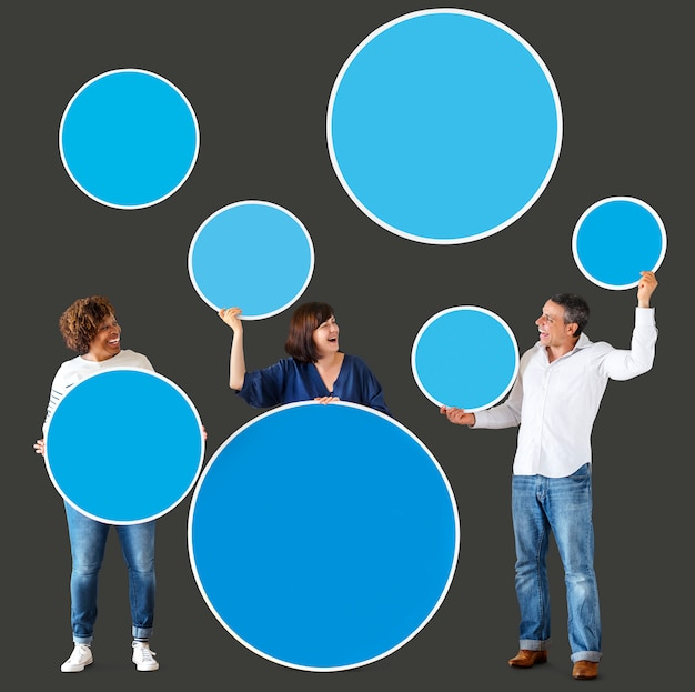 Diverse people holding colorful blank circles Premium Photo