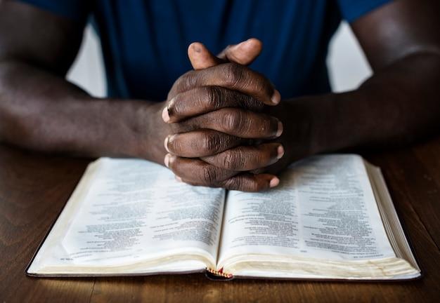 Diverse religious shoot Premium Photo