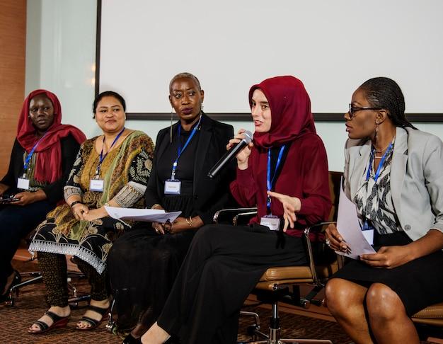 Diversity people represent international conference partnership Premium Photo