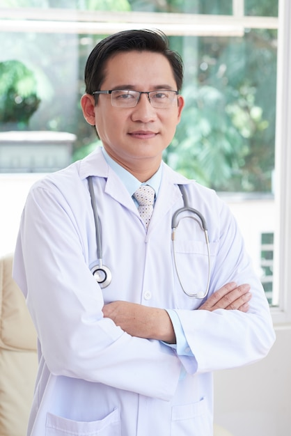 Doctor at hospital Free Photo