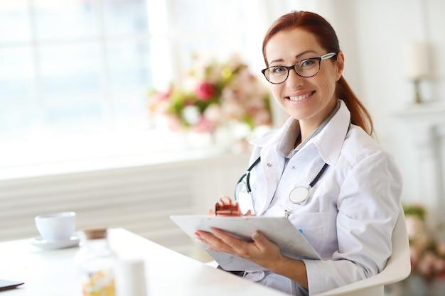 Dottore al lavoro Foto Gratuite