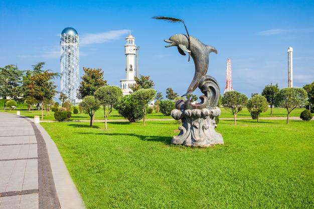 Dolpin statue, batumi Premium Photo