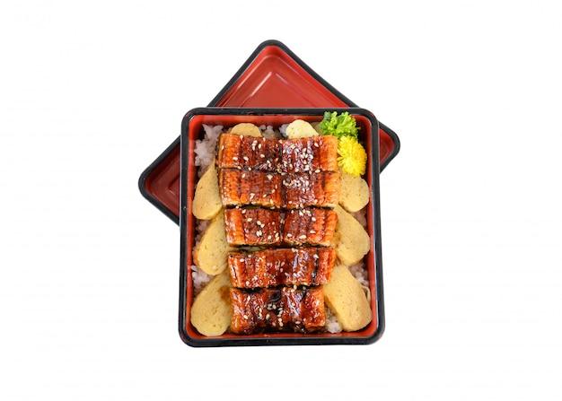 うなぎdonまたは日本のエルのka焼きソースと玉子焼き Premium写真