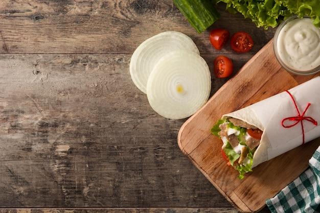 Донер кебаб или шаурма сэндвич Premium Фотографии