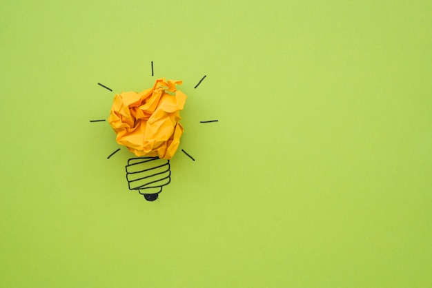 Doodle bulb with crumpled paper as light Free Photo