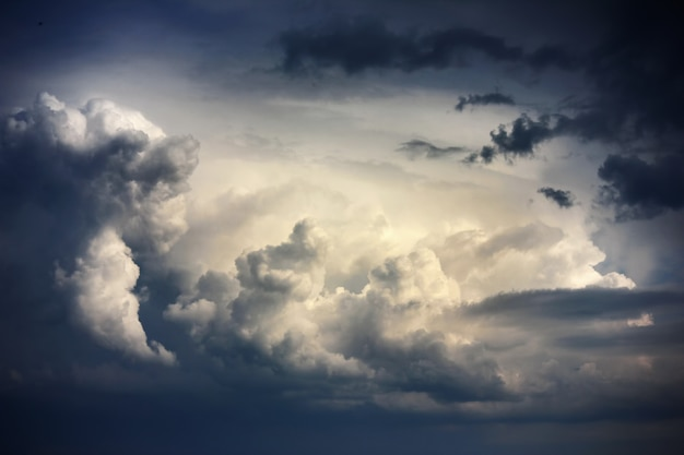 Dramatic sky with stormy clouds before rain Premium Photo
