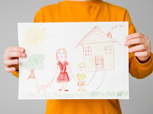 彼女の子供と一緒にシングルマザーの描画 無料写真
