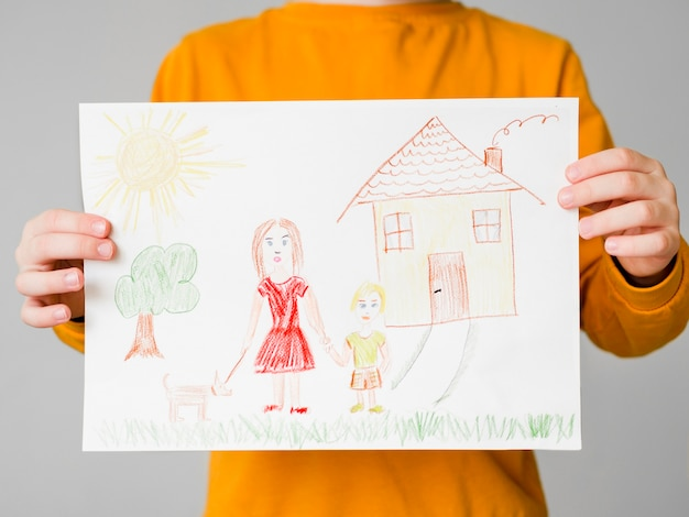 Drawing of single mom with her child Free Photo