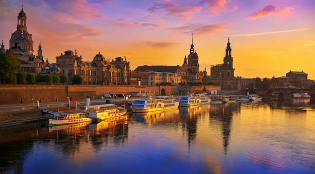 Dresden skyline and elbe river in saxony germany Premium Photo