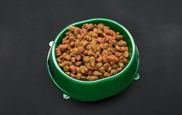 Dried food for dogs or cats. Premium Photo