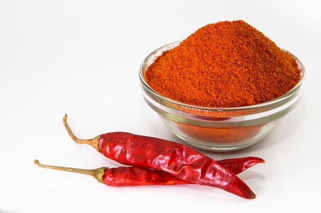 Dried red chilli and powder Premium Photo