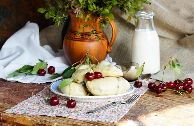 Dumpling with cherry Premium Photo