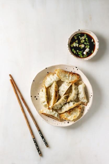 Dumplings gyozas potstickers Premium Photo
