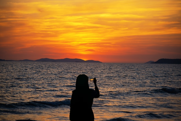 Early morning beautiful seascape, sunrise over sea. Premium Photo