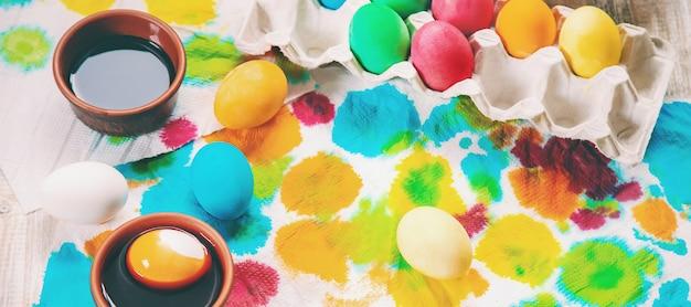 Easter photo. happy easter. eggs selective focus. Premium Photo