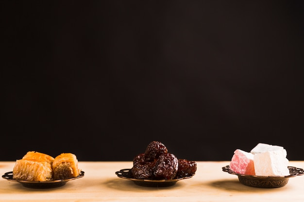 Eastern sweets on table Free Photo