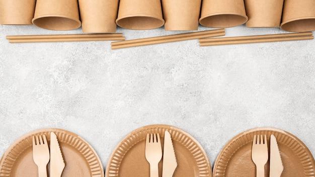 Экологичные одноразовые чашки и тарелки для посуды Бесплатные Фотографии