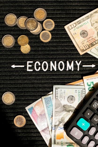 経済紙幣と硬貨 無料写真