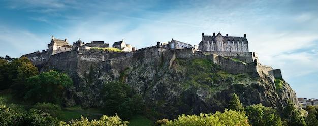 Edinburgh castle wide panorama, scotland, uk Premium Photo