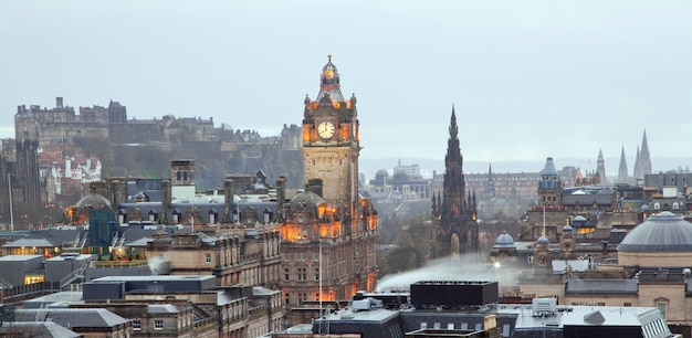 Edinburgh panorama Premium Photo