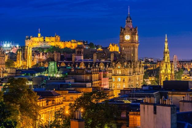 Edinburgh sunset Premium Photo