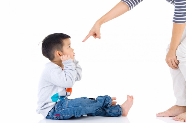 Education of the child. mother scolds her child boy. family relationships Premium Photo