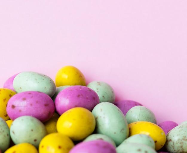 Fondo strutturato del cioccolato della palla del fagiolo uovo Foto Gratuite