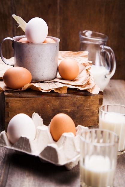 Eggs in old cup Premium Photo