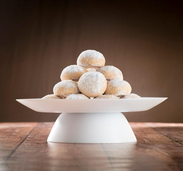 Eid al-fitr cookies, muslim lesser holiday snacks Premium Photo