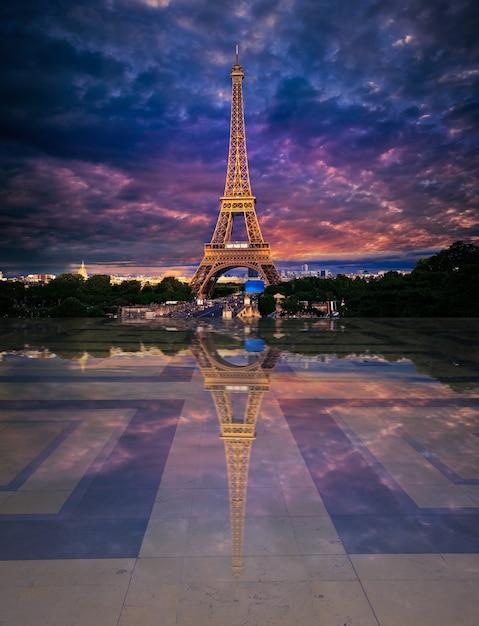 Eiffel tower from trocadero edited reflection Premium Photo