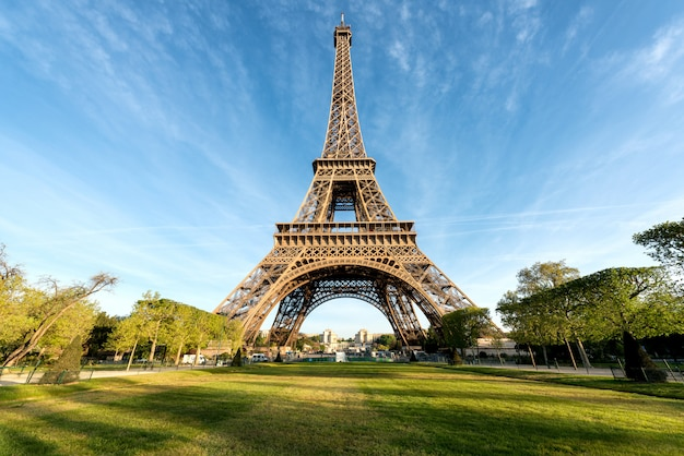 Eiffel tower is famous and best destinations in paris and france. Premium Photo