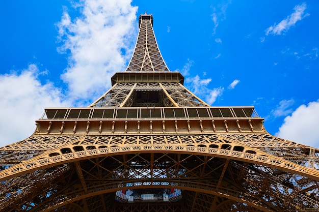 Eiffel tower in paris france Premium Photo