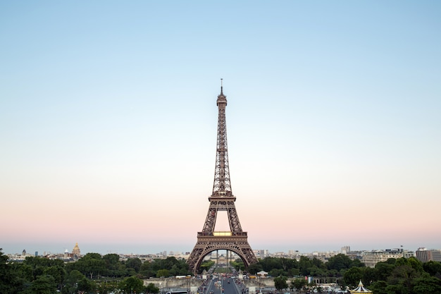 Eiffel tower paris Premium Photo