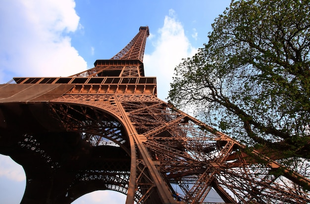 Eiffel tower with blue sky Premium Photo