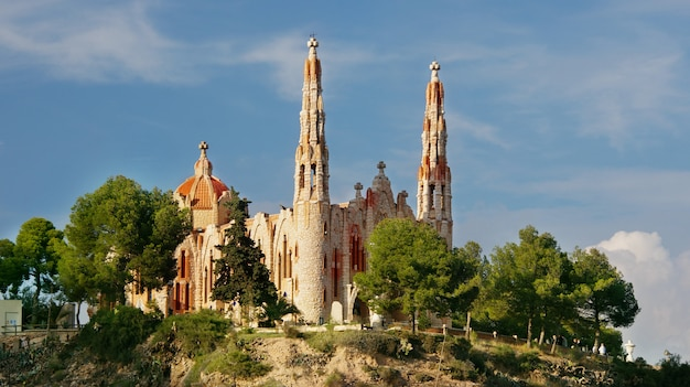 El santuario de santa maria magdalena - it is a religious building located in novelda, alicante (valencia, spain) and was built from a project jose sala Premium Photo