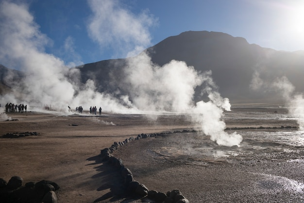 El tatio間欠泉、サンペドロデアタカマ、el loa province、antofagasta region、チリの写真 Premium写真