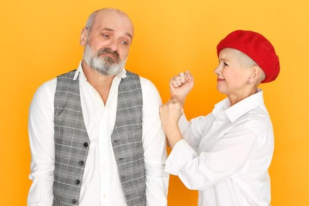 Пожилая пара ссорится Бесплатные Фотографии