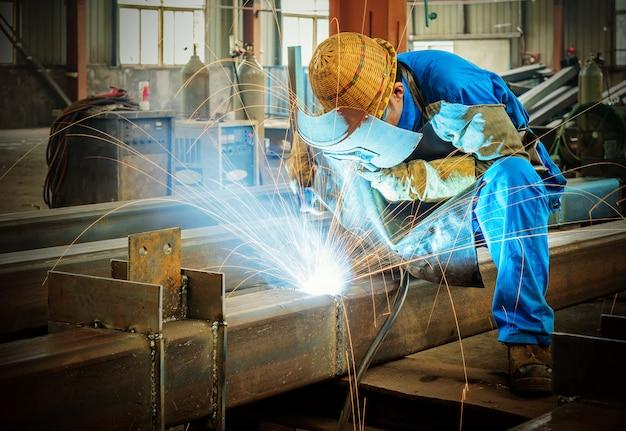 Electric welding Premium Photo