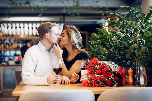 Elegant couple spend time in a restaurant Free Photo