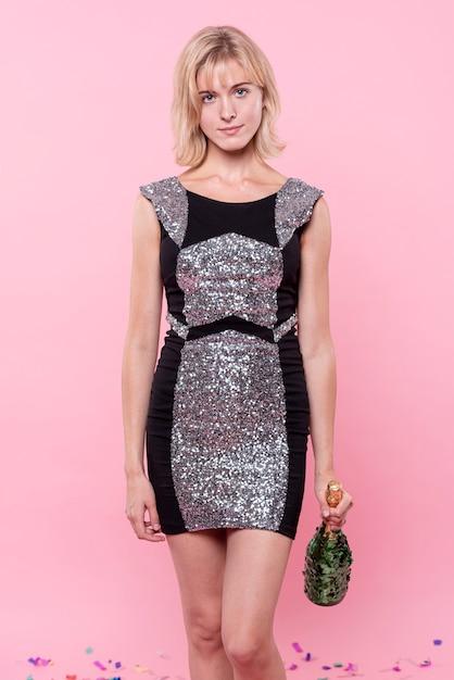 Elegant dressed woman fashion posing Free Photo