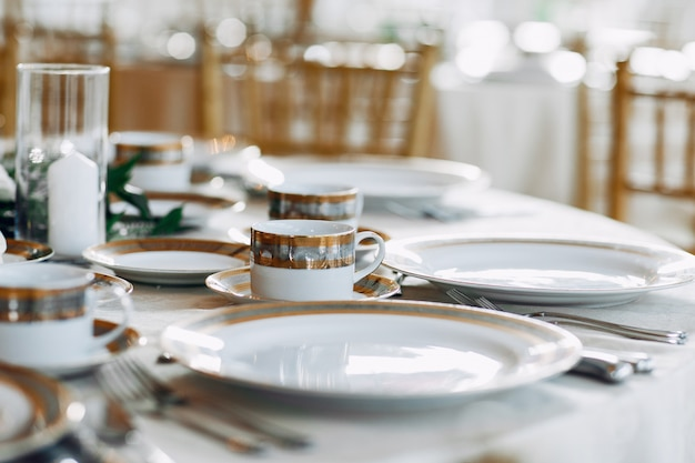 Elegant wedding dishes Free Photo