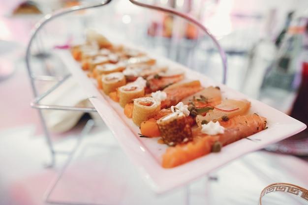 Elegant wedding dishes Free Photo
