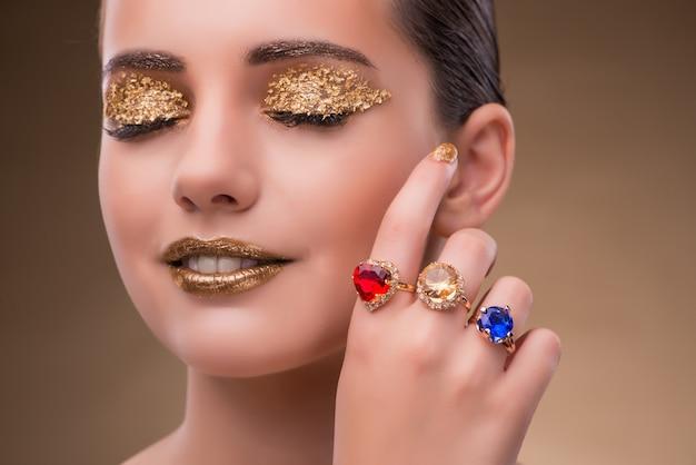 Elegant woman with jewellery in fashion concept Premium Photo